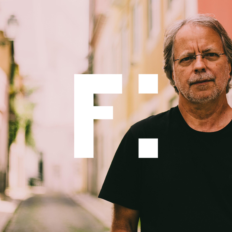 Mia Couto sobre literatura, língua portuguesa e colonialismo (É Apenas Fumaça)