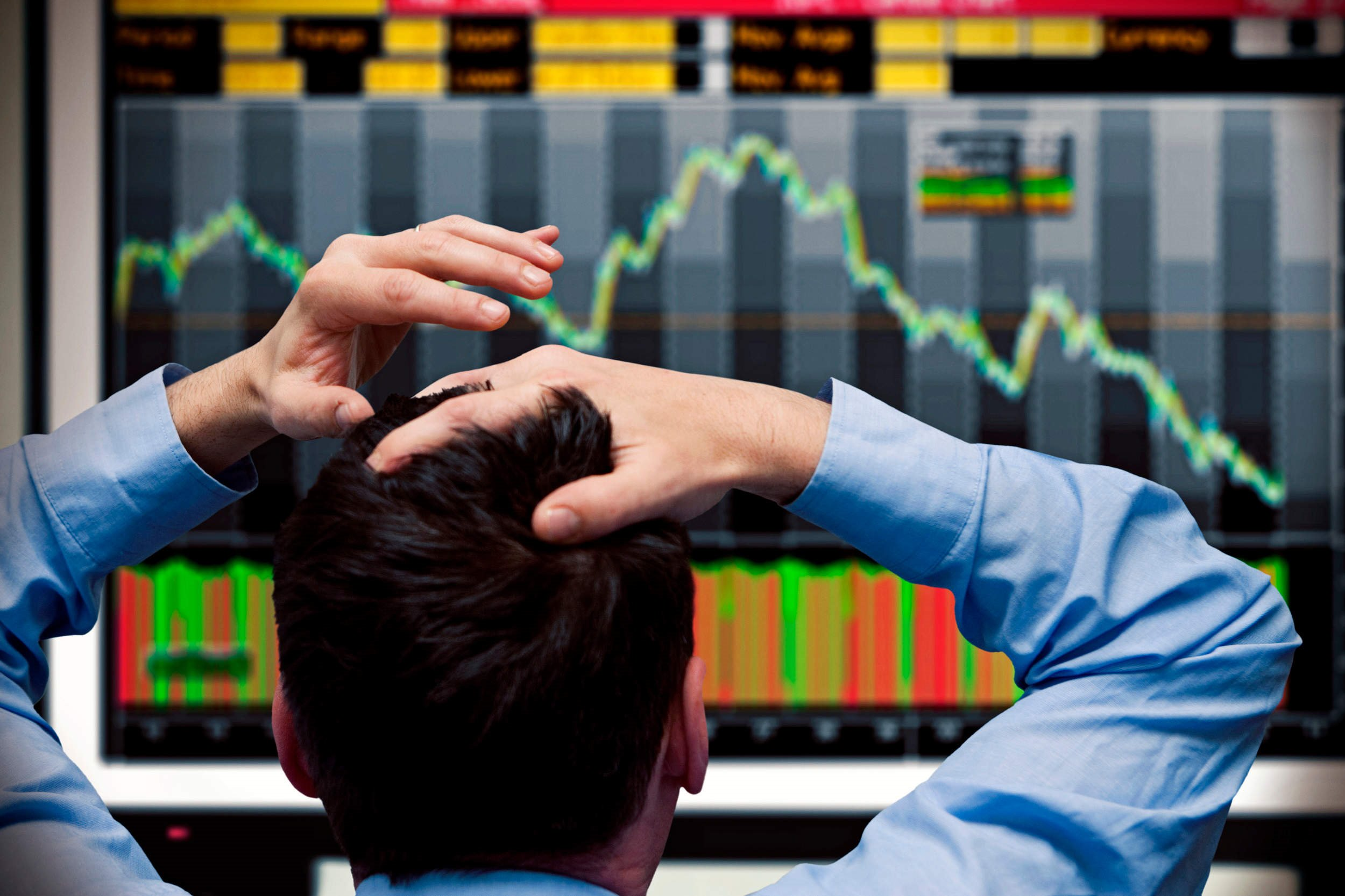 4 tips for safely investing right now when everything is so hectic