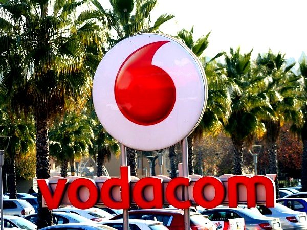 Vodacom adds 373 000 subscribers, increases dividends (while MTN cuts)