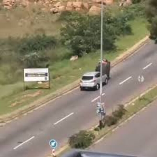 What's Viral - Driver assisting a waste reclaimer push trolly up a hill