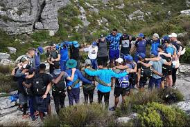 What'sViral - SA cricket team climbs Table Mountain to prepare for World Cup