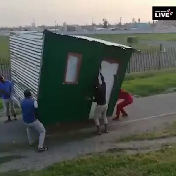 What's Viral - Thieves running off with a shack has Twitter puzzled