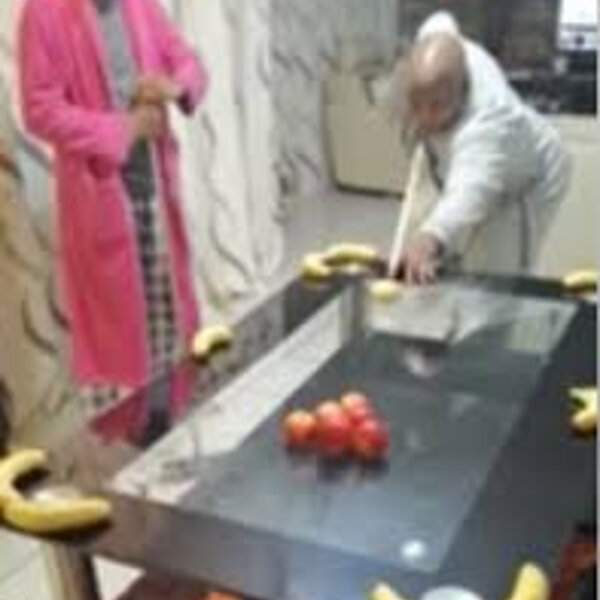 What's gone viral - Family playing pool on makeshift table during lockdown