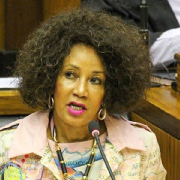 Minister Sisulu wants 7-day shifts for officials in bid to clean up Water Dept