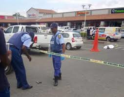 What's Viral - Video shows thug shot dead after mall chase in Limpopo
