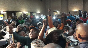 Alex residents refuse Mayor Herman Mashaba address them