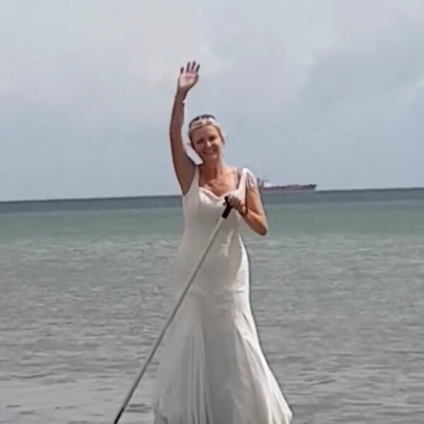 What's Viral - Woman wears wedding dress for an entire year