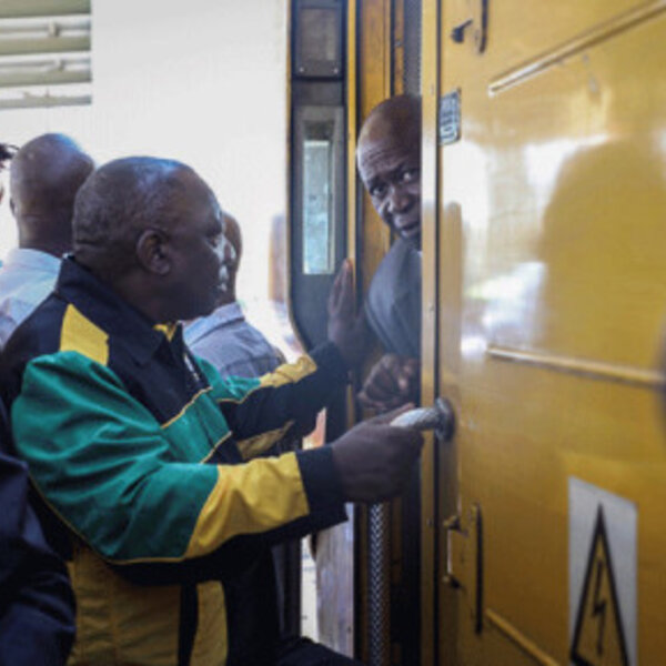 Politicians travelling by public transport-YAY or NAY?