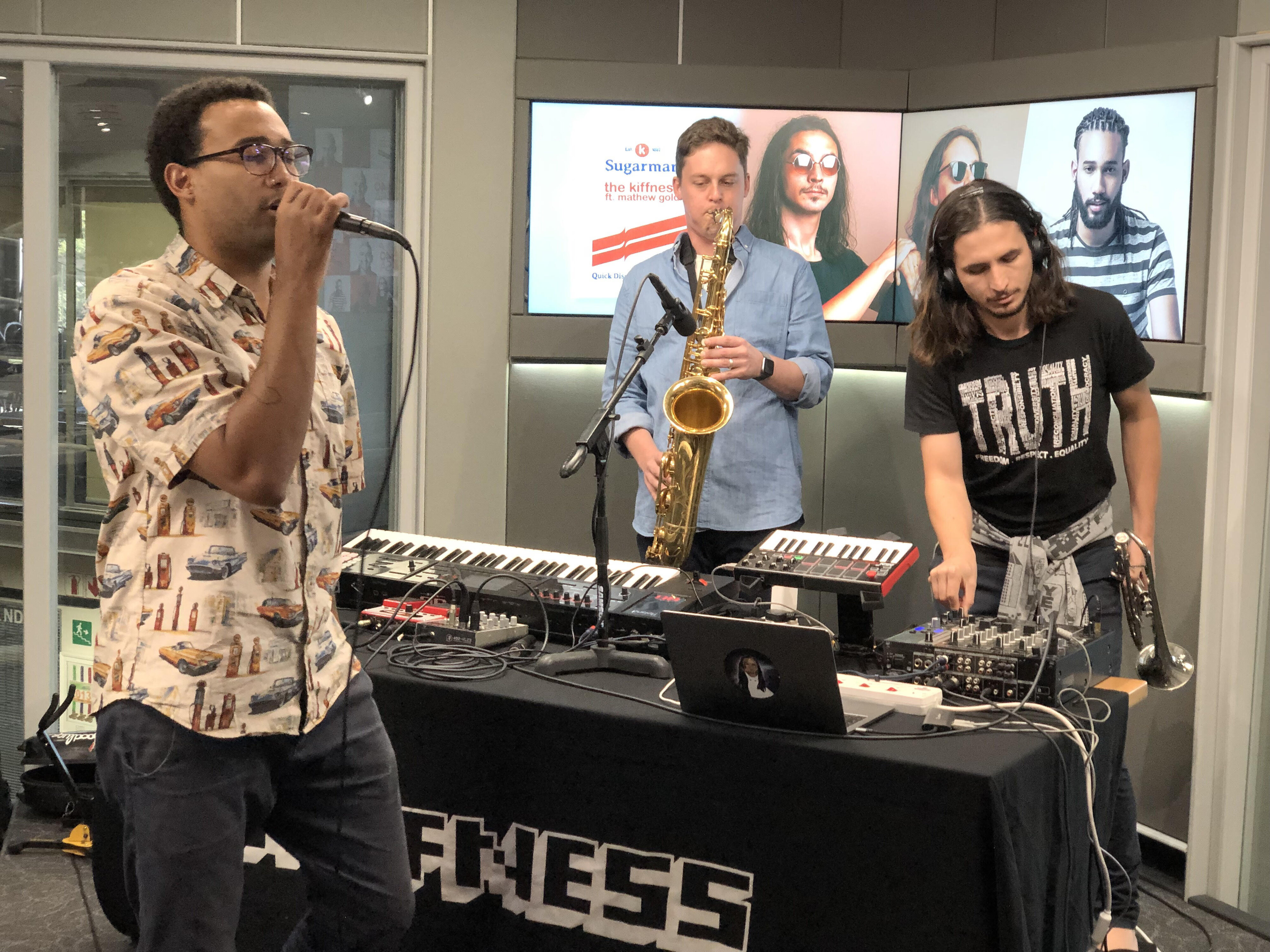 EXCLUSIVE: The Kiffness ft Mathew Gold perform 'Sugarman' live on the #CokeTop40CT