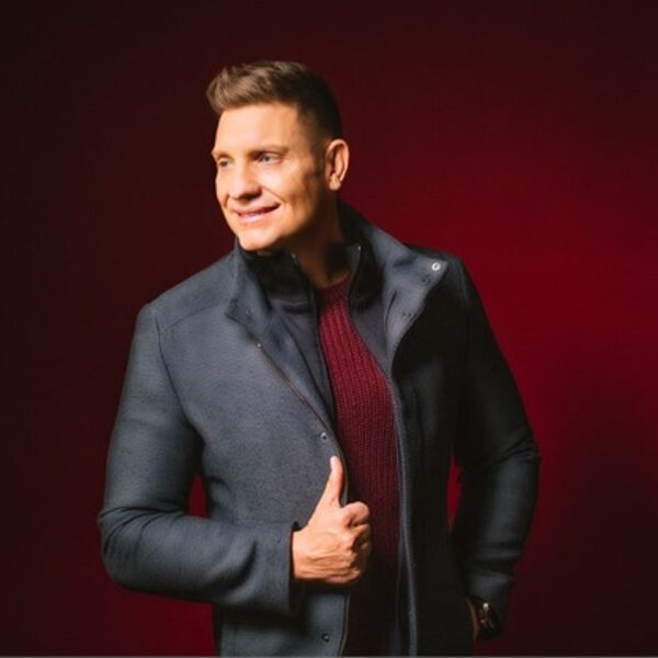 Die Kaptein Kurt Darren on playing receptionist, his career, turning 50 and his latest hit single