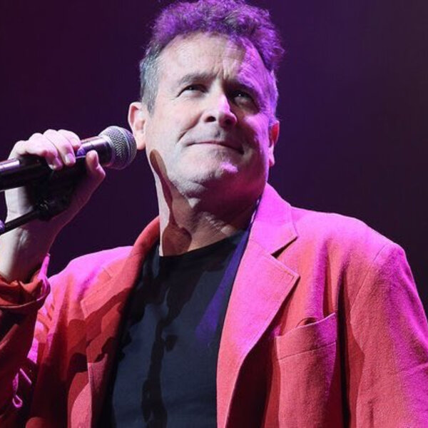 Sipho Mabuse Pays tribute to Johnny clegg