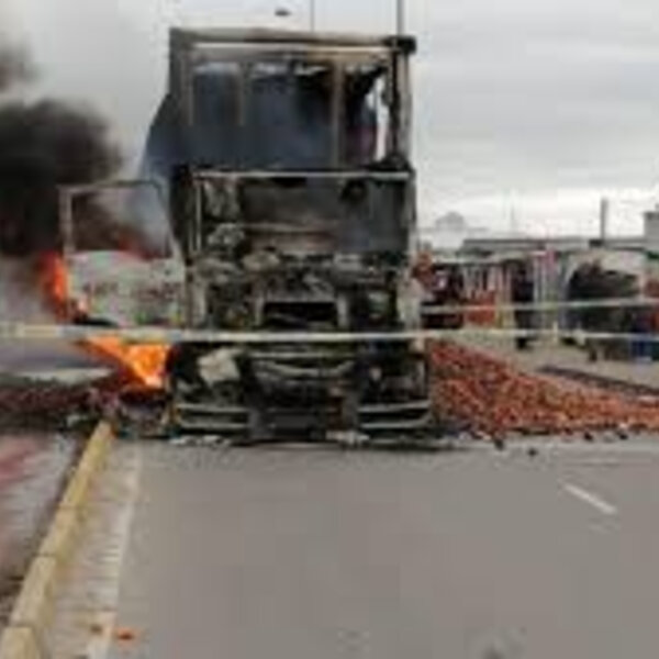 Barbs Wire - Truck set alight by protesters in Dunoon on Saturday