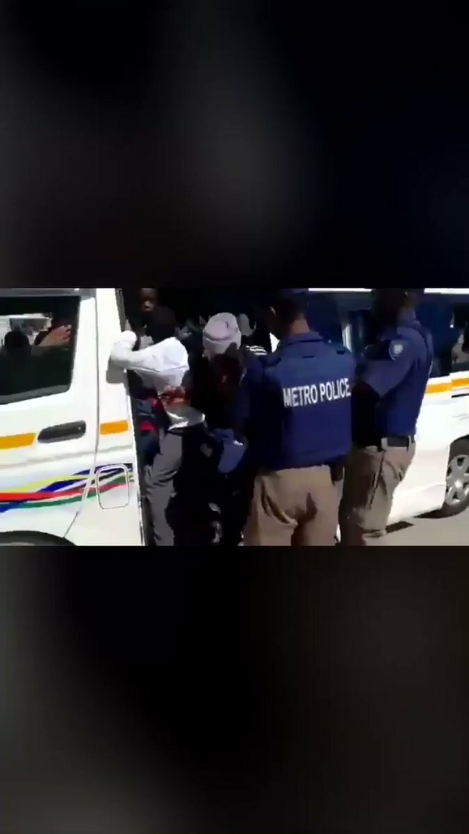 Barbs Wire - The viral video of 46 children in a taxi and why sharing it is a problem