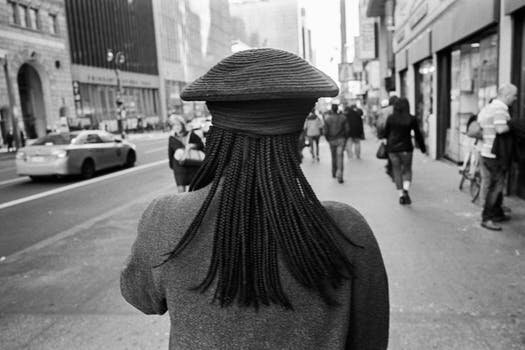 Barbs Wire - New York City to ban discrimination based on hair