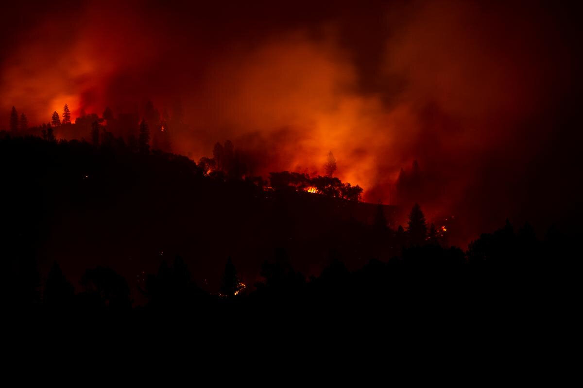 California fires as death toll rises to 31