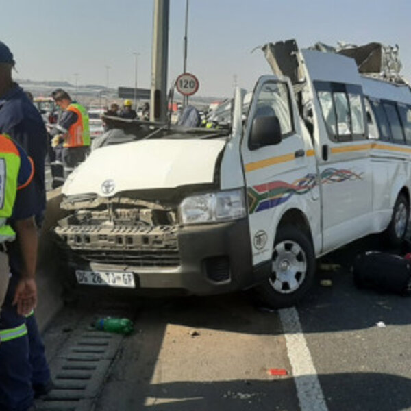 Joburg taxi crash kills 10 people.