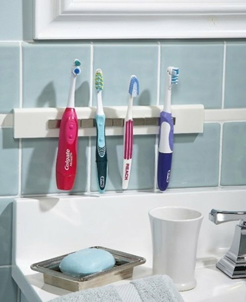 Barbs Wire - Keeping your toothbrush in the bathroom could be a health hazard