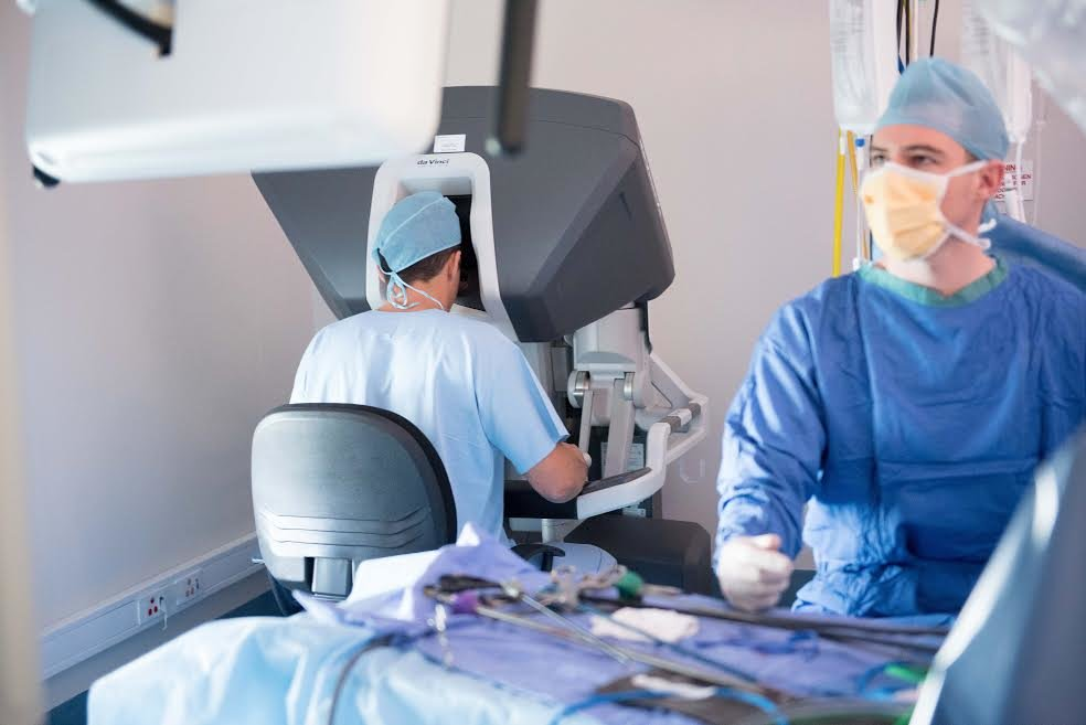 Robotic surgical system speeds recovery