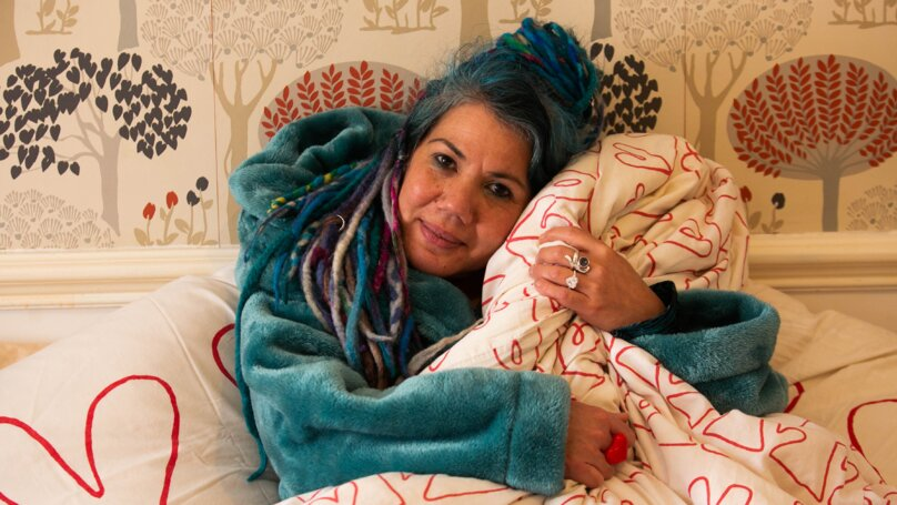 Barbs Wire - Woman is planning lavish ceremony to get married to her duvet