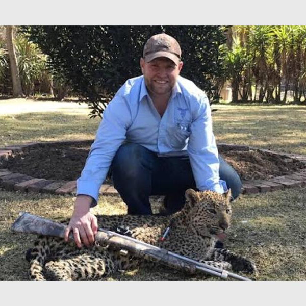 Brave vet called out to wrangle lost leopard trapped in laundry