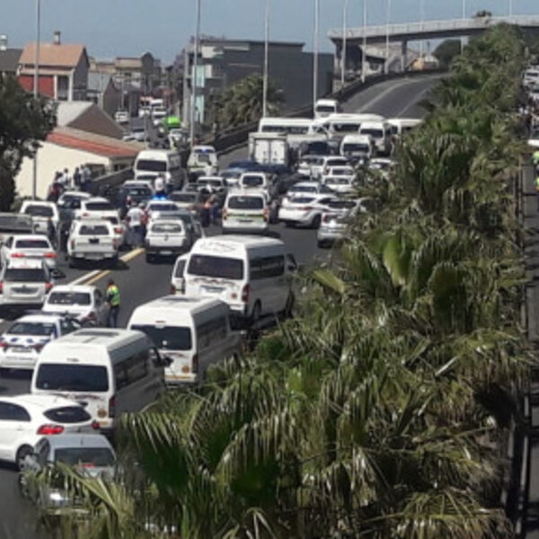 MEC Madikizela to meet with taxi bosses after road blockages