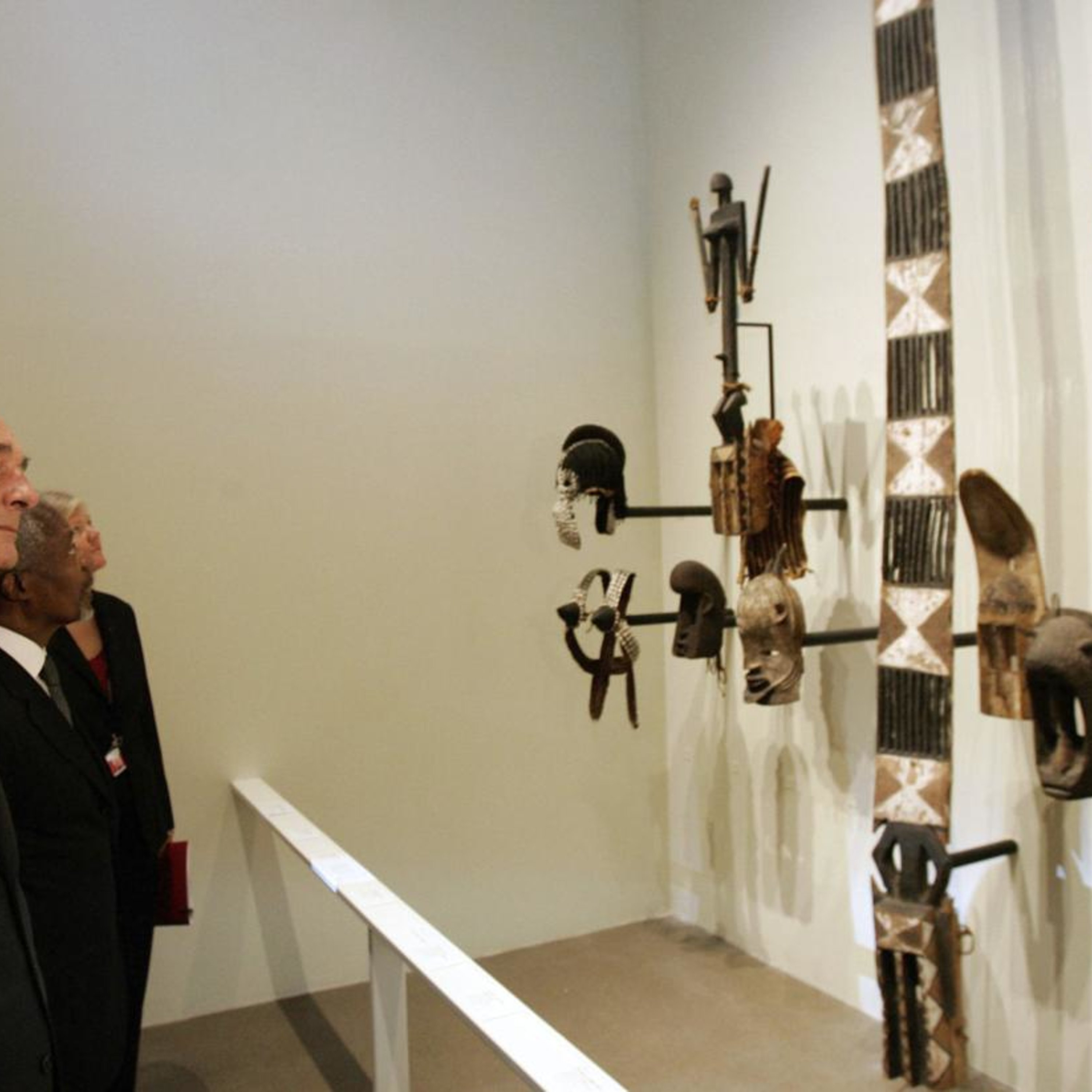 French commission to urge return of looted African art