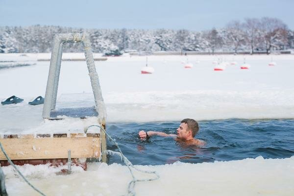 South Africa competes in the World Ice Swimming Championships
