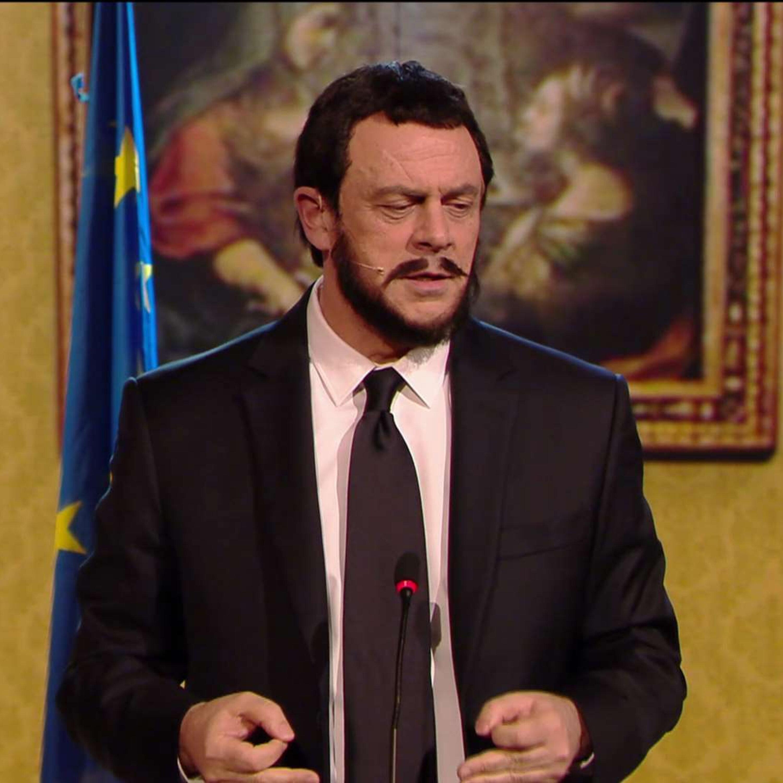 """Crozza Salvini: """"Volete togliere il maiale dai tortellini, l'uva dal vino, i fondi russi dalla Lega..."""""""