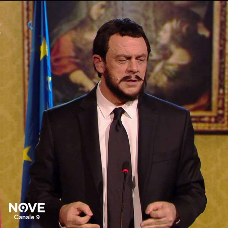 """Maurizio Crozza canta """"Bella chat.."""" con dedica a Salvini"""