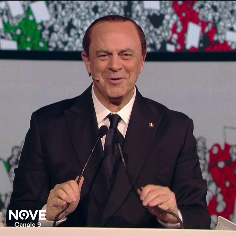 """Crozza Berlusconi: """"Io al cinema mi addormento sempre, nella mia vita non ho mai visto finire un film..."""""""