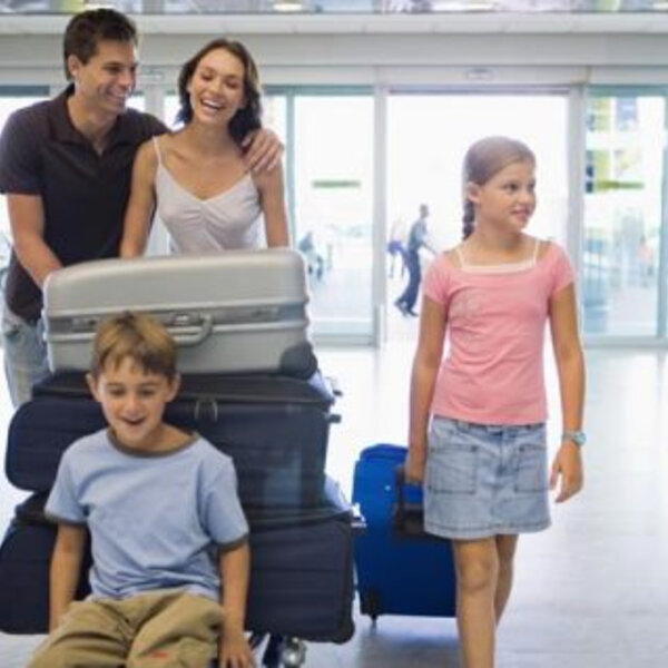 Vai viajar com crianças? Confira todas as dicas para não ter surpresas durante o passeio!