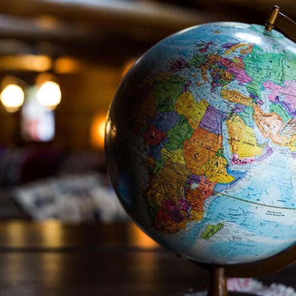 Hábitos e costumes culturais espalhados pelo mundo