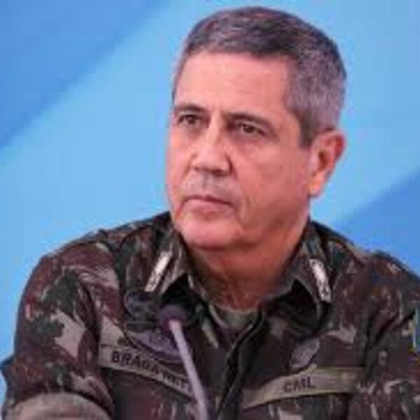 Um general que já deu prova de postura, compostura e responsabilidades constitucionais