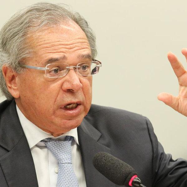 Em defesa do teto, Guedes junta 'Bolsonaro' e 'impeachment' na mesma frase