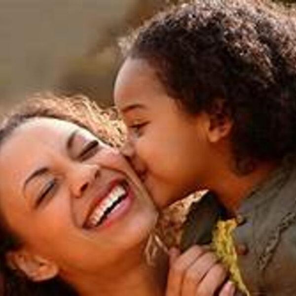 Tudo ou nada é sempre melhor com nossas mães por perto! Presente ou na memória...