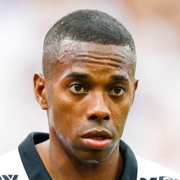 Patrocinadores do Santos fazem pressão para que Robinho saia do clube após condenação de estupro