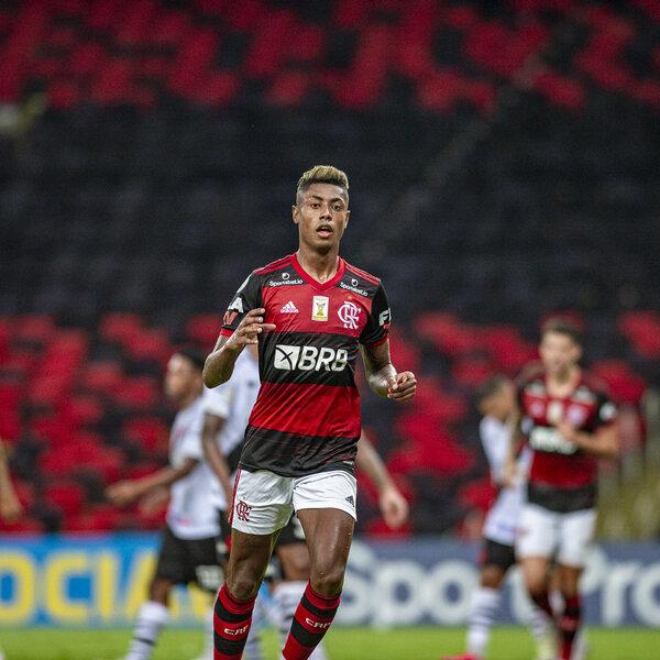 Se o Flamengo vencer os próximos quatro jogos, passa a não depender de ninguém para vencer o Brasileirão