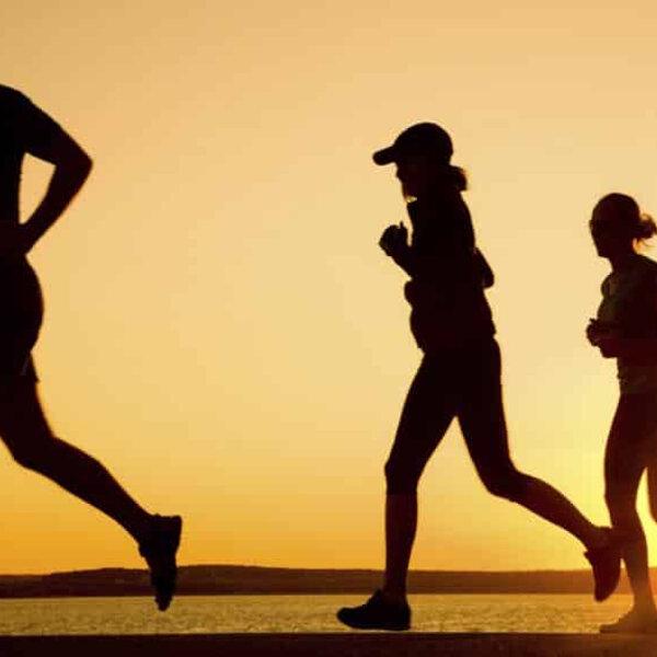 Hormônio liberado em exercício pode ter efeito em casos de Covid-19