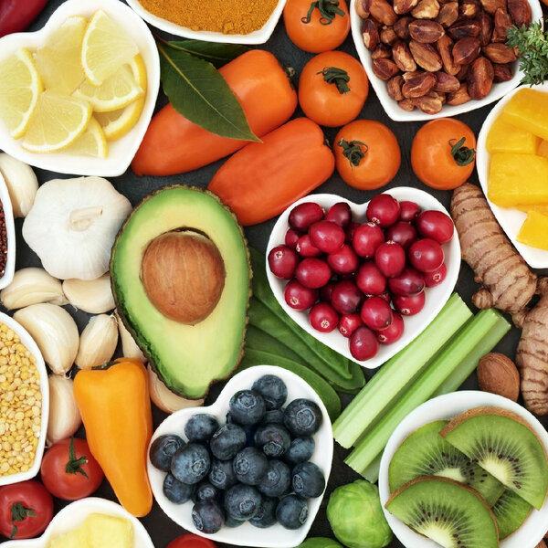 A importância das vitaminas B12, D e C