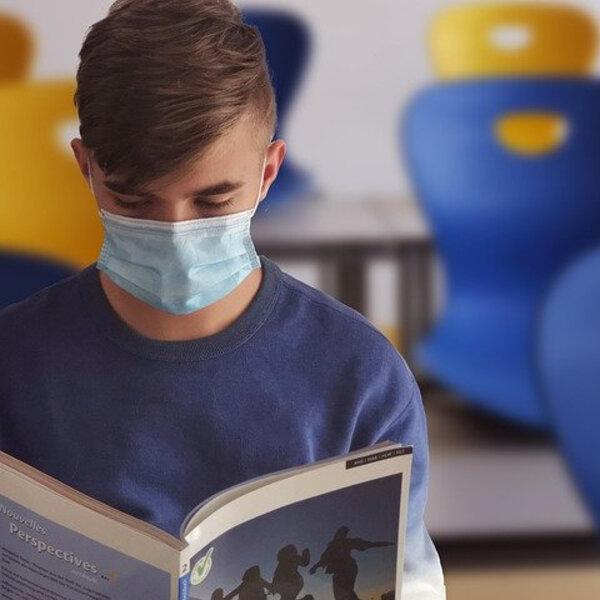 Adolescentes sofrem mais na pandemia