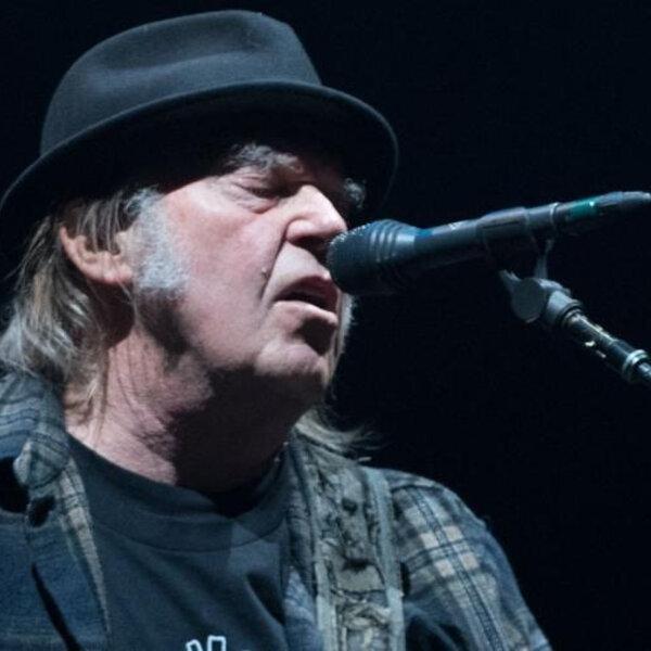 Neil Young processa Trump por uso não-autorizado de música em campanha