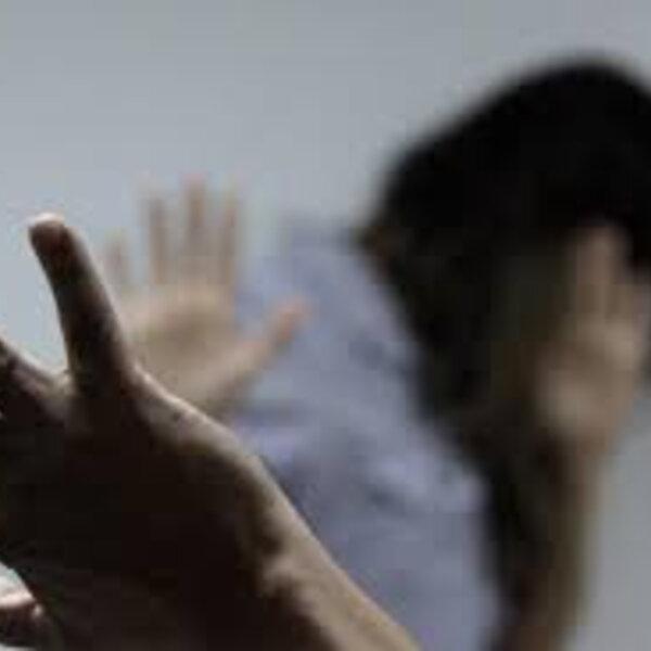 Você sabia que o síndico tem que denunciar a violência doméstica? Agora é lei! Confira as orientações sobre a nova Lei 9.014 com o advogado Leandro Sender