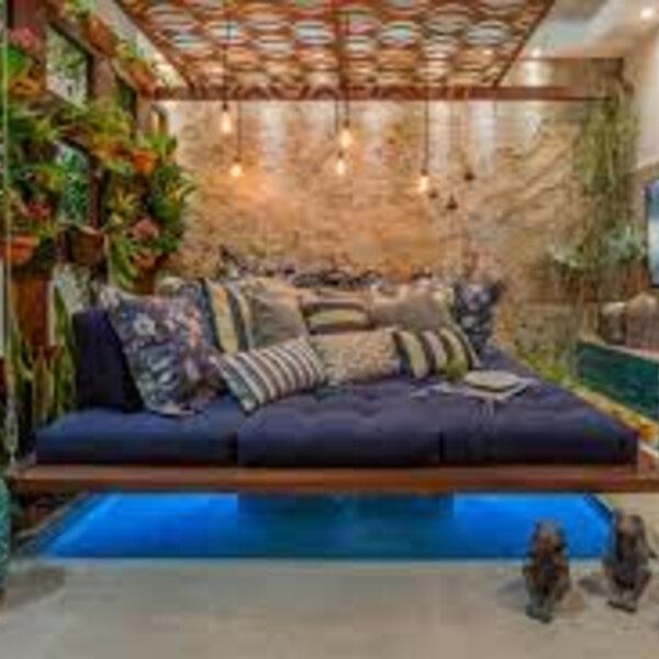 Saiba como decorar os espaços para reunir a família e os amigos em segurança, além de dicas para deixar a casa quentinha neste inverno, na entrevista com a arquiteta May Lee