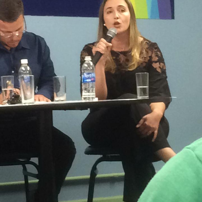 Márcia Peltier conversa com a psicóloga Laura França